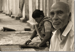 Papar Selling Family (Shabbir Ferdous) Tags: family portrait people bw art photographer oldman bangladesh dinajpur bangladeshi papadum canonef50mmf18ii canoneosrebelxti shabbirferdous southindianwafer shabbirspeople wwwshabbirferdouscom shabbirferdouscom