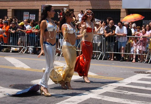 World Famous Pontani Sisters @ Mermaid Parade 2008. photo: Whiskeygonebad, flickr