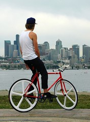 Seattle & a Fixie (Sweendo) Tags: seattle park summer gear fair fremont solstice gasworks fixed fixie 2008 mobius