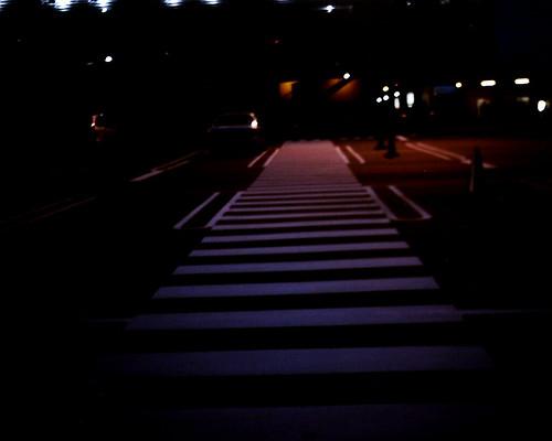 【写真】VQ1005で撮影した駐車場内の歩行者通路