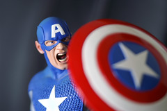 Captain America (DuckBrown) Tags: usa statue fav20 superhero fav30 captainamerica fav10 fav40