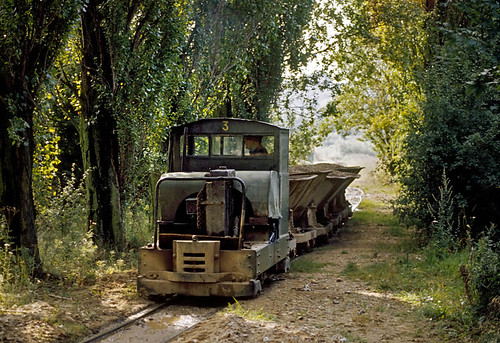 MR No3 at Marlow Sand and Gravel (geoffspages) Tags: narrowgauge simplex industrialrailway motorrail