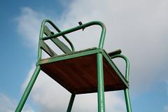 IMG_1798 la cima es solitaria... la sima tambin... (pamela figueroa) Tags: chile canon eos rebel silla cielo tenis xsi concon vregion arbitro 450d