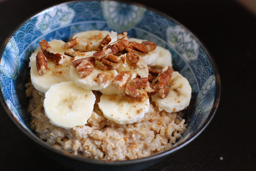 Steel Cut Oatmeal with Bananas, Pecans, and Cinnamon