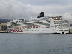 Norwegian Cruise Lines Pride of America in Hon...