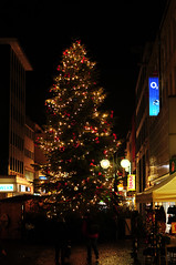Weihnachtsmarkt in Gelsenkirchen (Michael Döring) Tags: gelsenkirchen altstadt weihnachtsmarkt d300 michaeldöring af50mm14d