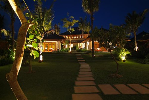 Villa Ombak Laut - Villa at Night
