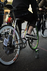 Macaframa Premiere (edscoble) Tags: people brick green london beer bike bicycle wheel tattoo speed canon court 50mm cycling europe track december ride mud drink hipster deep saturday gear son east dirt h v single cycle lane short shoreditch bethnal end plus fixed vans fixie premiere velocity polo screening grolsch 6th brakeless londonist macaframa lfgss