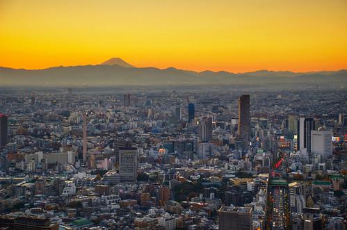 Tokyo sunset over Fuji 06