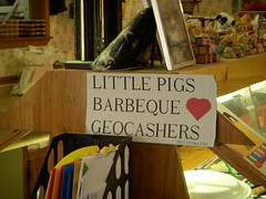 Little Pigs Loves Geocashers [sic]