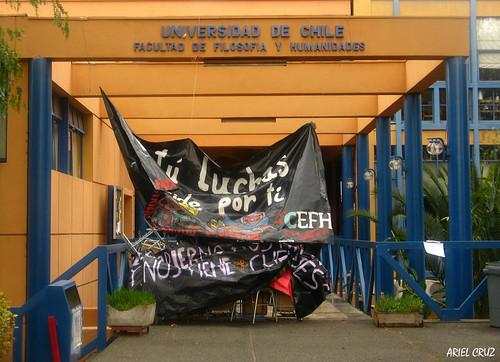 Toma Facultad de Filosofía y Humanidades / Universidad de Chile