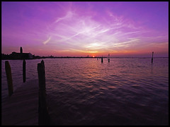 Silent picture (Sator Arepo) Tags: leica venice sunset sun lake water night landscape evening reflex silent nightscape purple murano zuiko digilux 714mm digilux3 zd714mm retofz080507