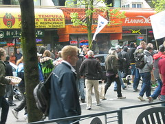 Manifestacion pro Marihuana 1 (chenutis) Tags: vancouver manifestacion marihuana