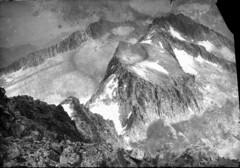 Pics du milieu et de la Maladetta vus du Nthou / Braldi, 1900 (bibliothequedetoulouse) Tags: snow mountains landscape cliffs peaks paysages mountainpass bibliothquedetoulouse