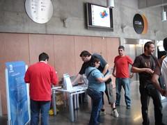 Locallbilling con su stand buscando programadores php