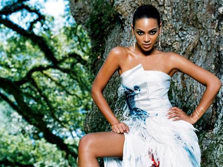 Beyonce Knowles sb12