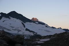 IMG_7200 (geraldinger) Tags: schnee mountain snow alps salzburg ice berg sunrise austria sterreich nationalpark europa europe glacier alpen gletscher eis sonnenaufgang pinzgau venedigergruppe hohetauern nationalparkhohetauern dreiherrnspitze obersulbachkees