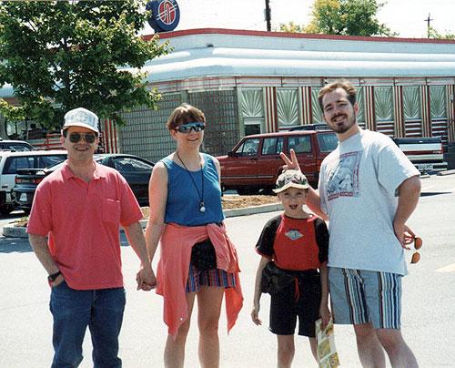 rahns-with-scott-at-silver-diner-circa-1995