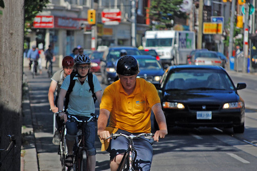 Toronto Bikes on Dundas Monday Morning Rush