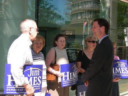 Jim Himes talks with seniors about protecting Social Security