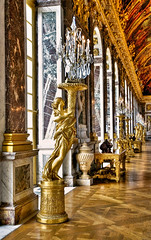 The Hall of Mirrors (Sez_D) Tags: sculpture france architecture hallofmirrors versaille palaceofversaille nikond300