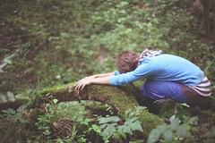 автопортрет 159й день (tomato_senya) Tags: trees selfportrait colour me nature hands bodylanguage 365ru