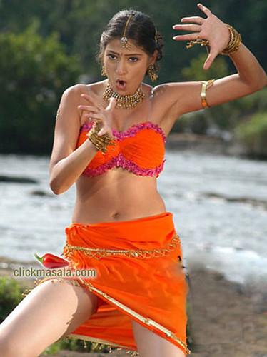 Tamil Actress Lakshmi Rai photo