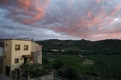 "Atardecer, con un primer plano de la casa de Manolo y Ana • <a style=""font-size:0.8em;"" href=""http://www.flickr.com/photos/54995335@N00/2861955105/"" target=""_blank"">View on Flickr</a>"