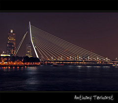 161 - Rotterdam  - the city I live in (Ton Terhorst) Tags: city holland art netherlands night evening rotterdam nacht nederland avond paysbas ton stad niederlande rotjeknor terhorst sonyalpha sonydslra200 alpha200 rotterdamnederland alphadslra200 anthonyterhorst anthony68 tonterhorst art181968 atphotografie savondsavond wwwanthonyterhorstnl