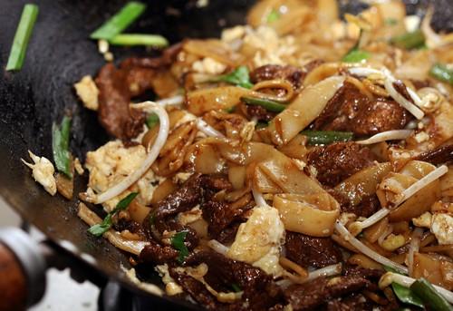 Beef & green bean noodles