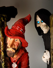 050 Rincewind and Death closeup