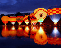 Cincinnati Balluminaria 2008 (Dave Schreier) Tags: sunset lake hot cold reflection ice water night wings pond buffalo colorful glow balluminaria cincinnati air rings ballons wtmwadminfavorite