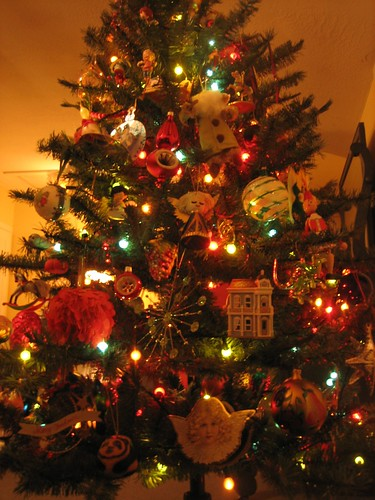 081204. my beautiful christmas tree.