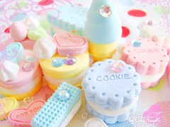 Candy Land ( ColdAngel6 ) Tags: color cute japan handy photography miniature nice colorful europe cookie candy sweet pastel picture pic mini images kawaii sweets lovely farbe catchy farben niedlich beautyful candyland ss ssigkeiten candyimages coldangel6 stra handystrap