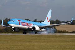 G-FDZJ - 34690 - Thompson Airways - Boeing 737-8K5 (737) - Luton - 091008 - Steven Gray - IMG_0065