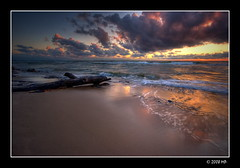 the day is swimming away (Mariusz Petelicki) Tags: sunset day balticsea hdr dzień canonefs1022mm morze 3xp zachódsłońca pomorze rowy bałtyckie canon400d aplusphoto mariuszpetelicki goldenvisions