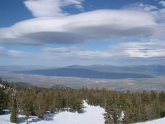 Cloud Spaceship (gra5ics) Tags: snowboarding laketahoe manzanar 395
