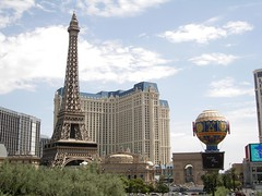 Hotel Paris (Iván PC) Tags: trip travel viaje las vegas usa paris america hotel yahoo day torre cloudy eiffel casino globo viajar eeuu