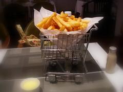 紐約薯條 + 起司醬 N.Y.Fries with Cheese