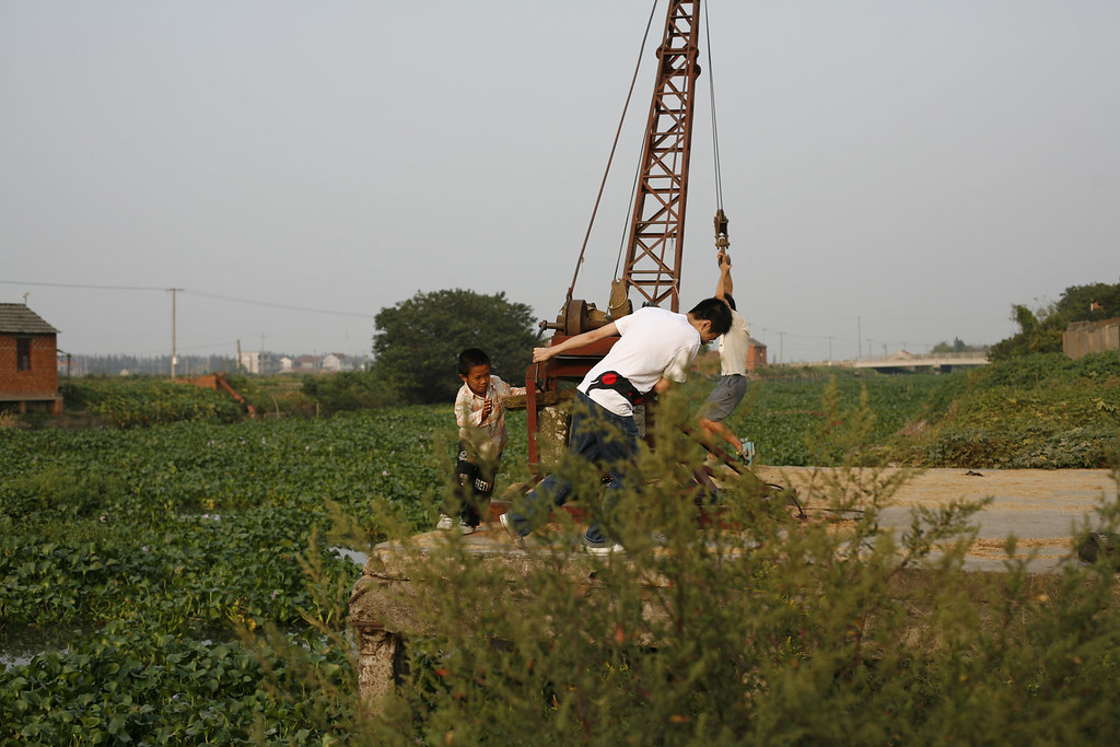 http://farm4.static.flickr.com/3056/2946277957_b537915327_b.jpg