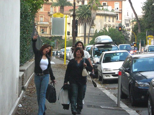 Ida, Maha and Zahir walking to Via Veneto