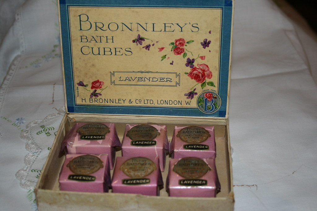 Vintage Bronnleys Bath Cubes