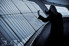 Flair (Chris Beauchamp) Tags: blackandwhite toronto ontario laura tower lady cn canon view lovely lakeontario xti seleniumish copyrightchrisbeauchamp20072009