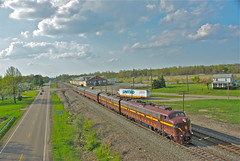 THE E 8's arrive at Alliance, OH. (THE RESTLESS RAILFAN) Tags: diesel prr 5711 e8 track ballast sun road passenger clouds ohio alliance