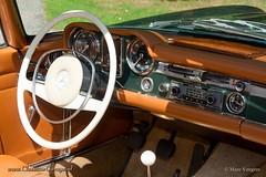1968 Mercedes-Benz 250 SL interior (ClassicarGarage / Marc Vorgers) Tags: green mercedes benz pagoda beige groen metallic interior tan vert sl tex marc 1968 cognac smiths 250 pagode veglia grun metallique vorgers classicargarage