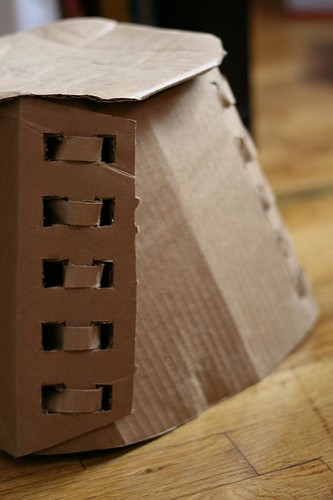 cardboard stool model (by mintyfreshflavor)