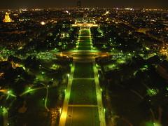 Everything is illuminated (green and orange) (beestar) Tags: paris france champdemars sodiumlights