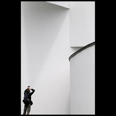 The (tri)Angle Catcher ... (Dreamer7112) Tags: shadow white wall museum architecture germany nikon triangle museu photographer gehry explore walls museo vitra 2008 frankgehry d300 weilamrhein vitradesignmuseum  blueribbonwinner pierrealain linescurves fpg vitramuseum dreamer7112 vitracampus nikond300 worldphotodoc2008 anglecatcher scaleplay milobaumgartner