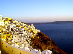 Santorini - Fira (timinbrisneyland) Tags: sunset village santorini greece ia