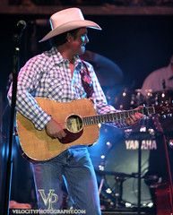 Tracy Byrd Blue Ash, Summerbration (John Barrie Photography) Tags: concert tracey byrd liveconcert concertinthepark masonohio tracybyrd blueash summerbration concertinsquare johnbarrie johnbarriephotography velocityphotography